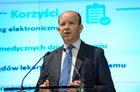 """Radziwiłł w tygodniku """"wSieci"""": Każdy będzie uprawniony do korzystania z publicznej służby zdrowia"""