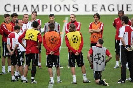 Rafael Benitez i jego podopieczni są gotowi na wojnę z Arsenalem /AFP