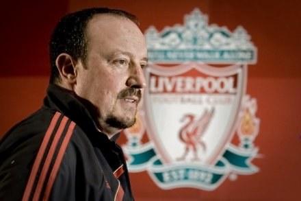 Rafael Benitez ma problem z linią obrony Liverpoolu /AFP