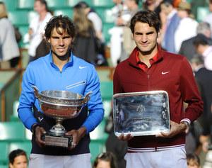 Rafael Nadal i Roger Federer w zeszłorocznym turnieju Rolanda Garrosa /    /materiały prasowe
