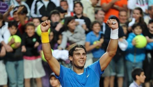 Rafael Nadal świętuje zwycięstwo w ćwierćfinale /AFP