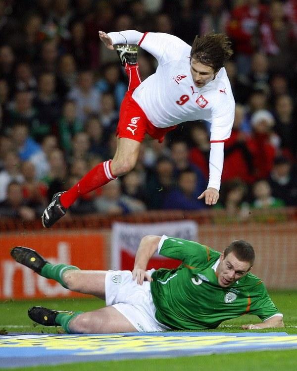 Rafał Boguski w listopadzie 2008 r. walczył dzielnie z Irlandią w Dublinie. /AFP