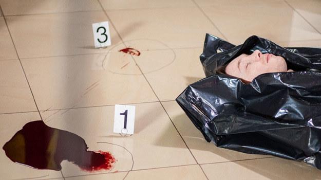 Rafał Mohr pożegnał się już z serialem. Nadal nie wiemy jednak, kto zabił jego bohatera. /materiały prasowe