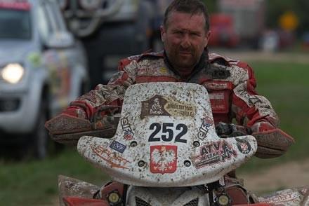 Rafał Sonik na  Dakarze 2010. Fot. Jacek Bonecki /