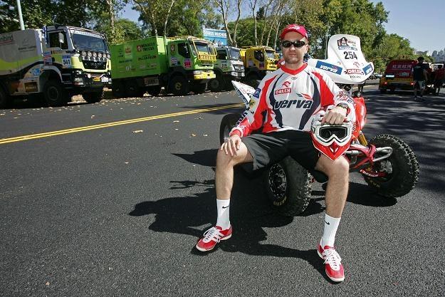 Rafał Sonik po wypadku na swoim quadzie wycofał się z Rajdu Dakar /AFP