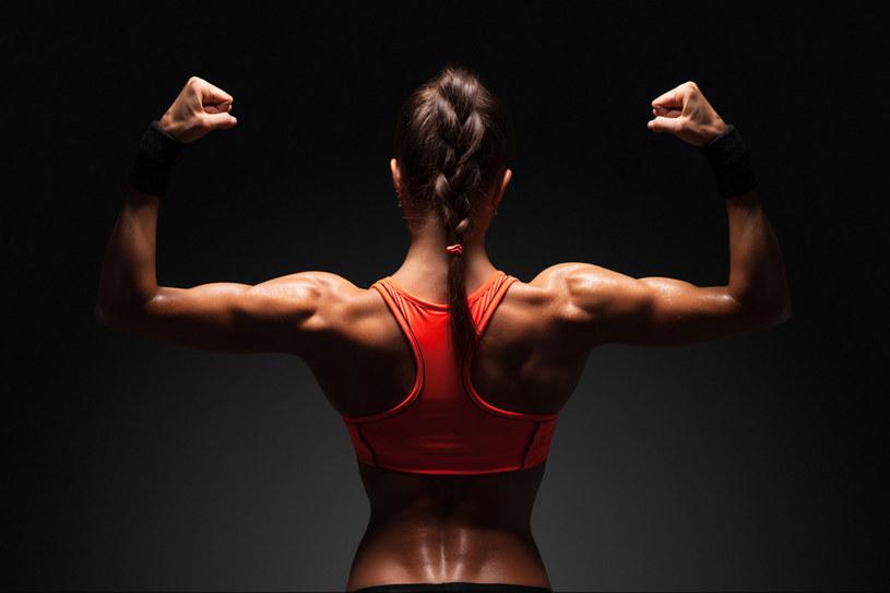 Rano 15 minut intensywnych ćwiczeń doda ci energii na cały dzień. /123RF/PICSEL