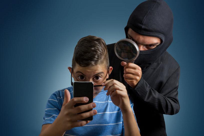 Ransomware blokuje urządzenie i wyświetla komunikat z żądaniem zapłaty /©123RF/PICSEL