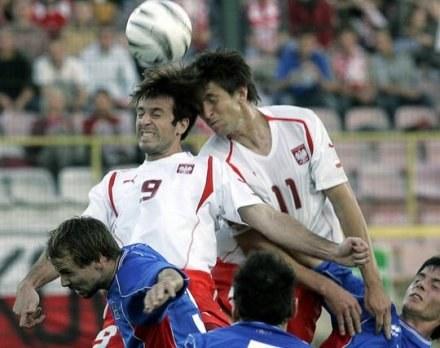 Rasiak (z prawej) ma nowego trenera /AFP