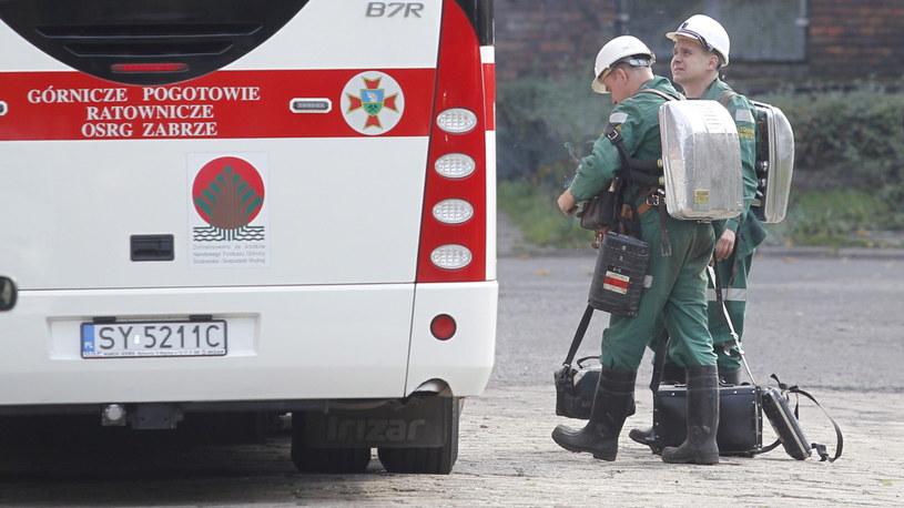Ratownicy górniczy przygotowują się do akcji /Andrzej Grygiel   (PAP) /PAP