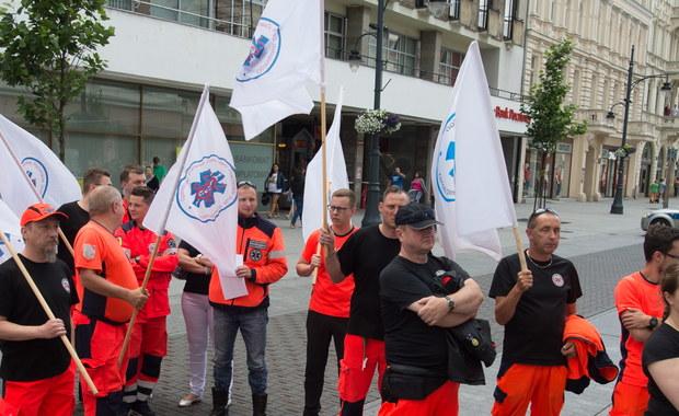 Ratownicy medyczni zawieszają protest. Zawarto porozumienie z Ministerstwem Zdrowia