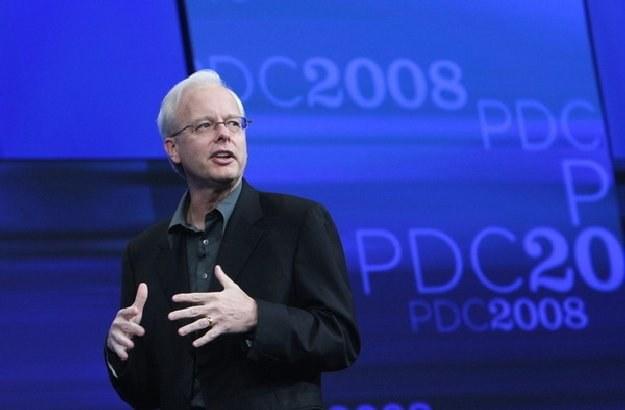 Ray Ozzie, podczas prezentacji Windows Azure w 2008 r. Miał być następcą Gatesa - nie wyszło /AFP