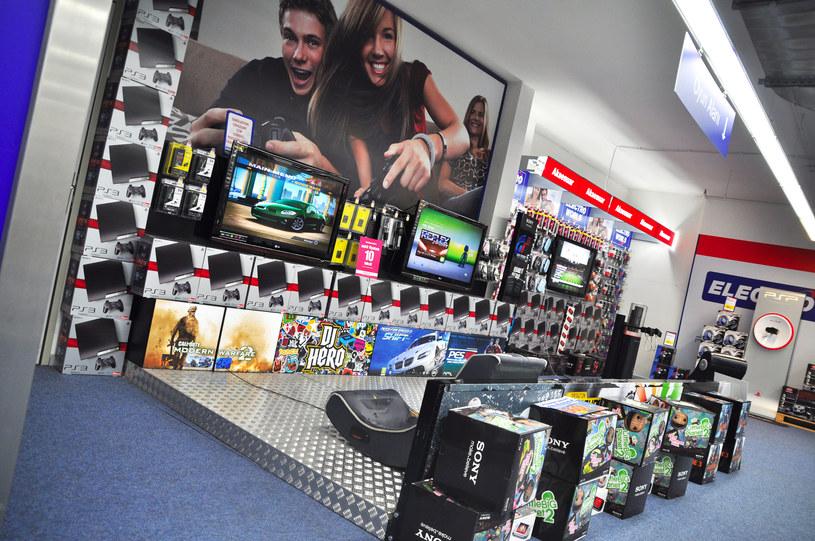 Raz jeszcze - pamiętajmy, że przed kupnem telewizora należy się zastanowić, do czego jest nam przede wszystkim potrzebny. Czy do oglądania filmów i korzystania ze smart TV - a może tylko do grania? To wazne /©123RF/PICSEL