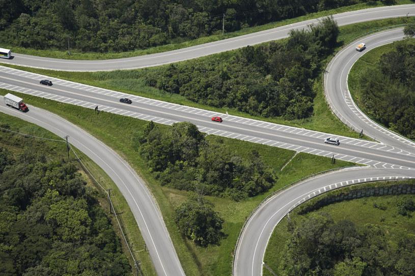 Realizacja inwestycji drogowych i kolejowych będzie rosła w najbliższych latach? /© Glowimages