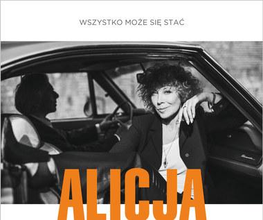 """Recenzja Alicja Majewska """"Wszystko może się stać"""": Od Kopydłowa do Krakowa"""