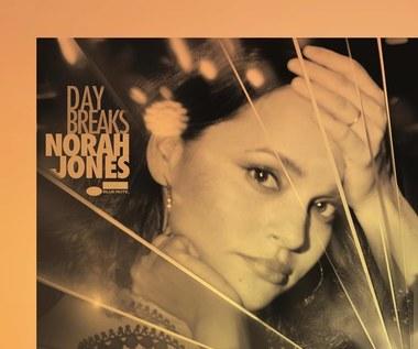 """Recenzja Norah Jones """"Day Breaks"""": Witamy w klubie"""