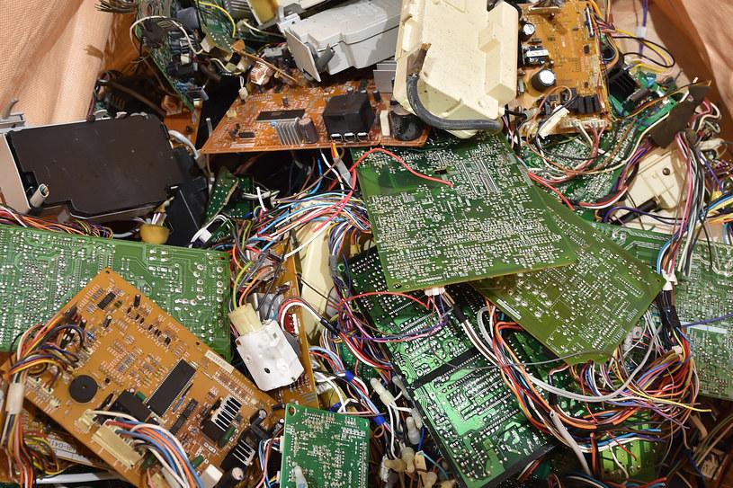 Recykling elektroniki  generuje dodatkowe koszty i zużywa energię /AFP