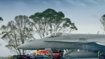 Red Bull F1 kontra F/A-18 Hornet
