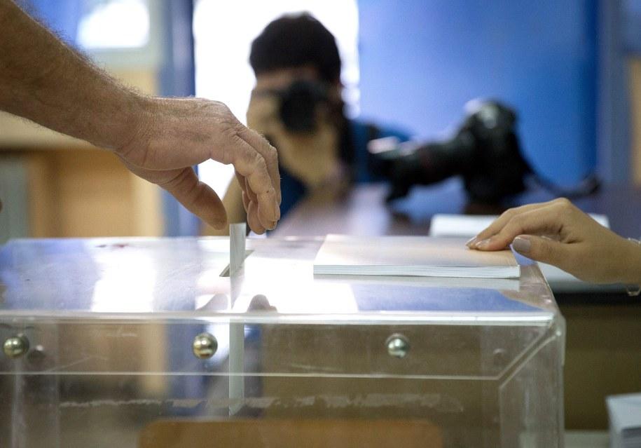 """Referendum w Grecji zakończyło się twardym """"nie"""" przeciwko dalszym oszczędnościom i reformom, narzucanym przez międzynarodowych wierzycieli /Kay Nietfeld  /PAP/EPA"""