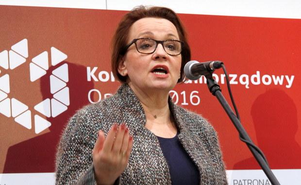 Reforma szkolnictwa: Wydawcy podręczników ostrzegają minister edukacji