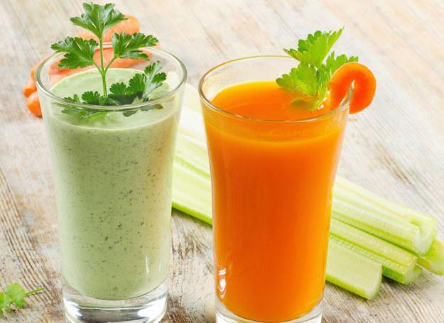 Regularne picie soku z marchewki nada twojej skórze piękny kolor /123RF/PICSEL