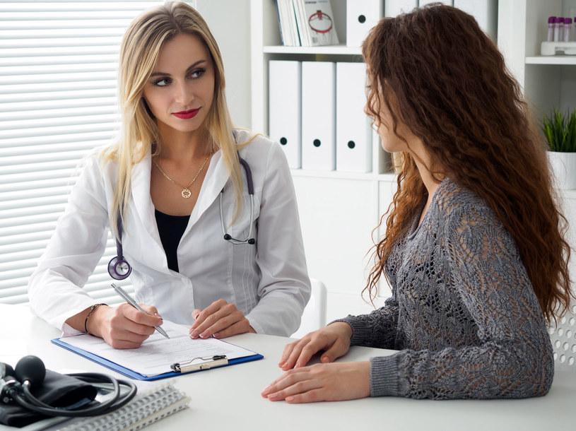 Regularne wizyty u ginekologa mogą cię ustrzec przed rozwojem tego nowotworu /123RF/PICSEL