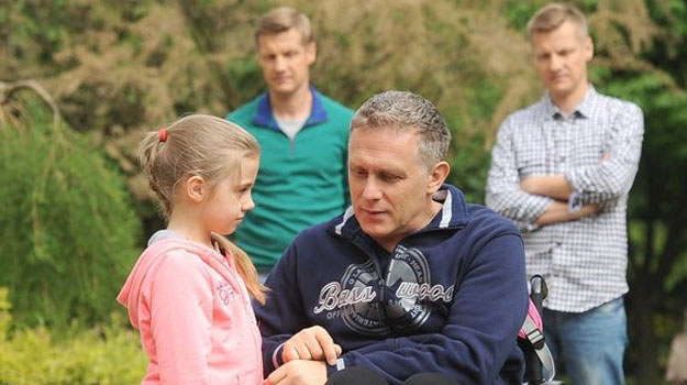 Rehabilitacja Artura przynosi rezultaty /www.mjakmilosc.tvp.pl/