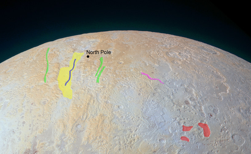Rejon Lowell Regio z oznaczonymi wybitnymi formami terenu /NASA/JHUAPL/SWRI /materiały prasowe