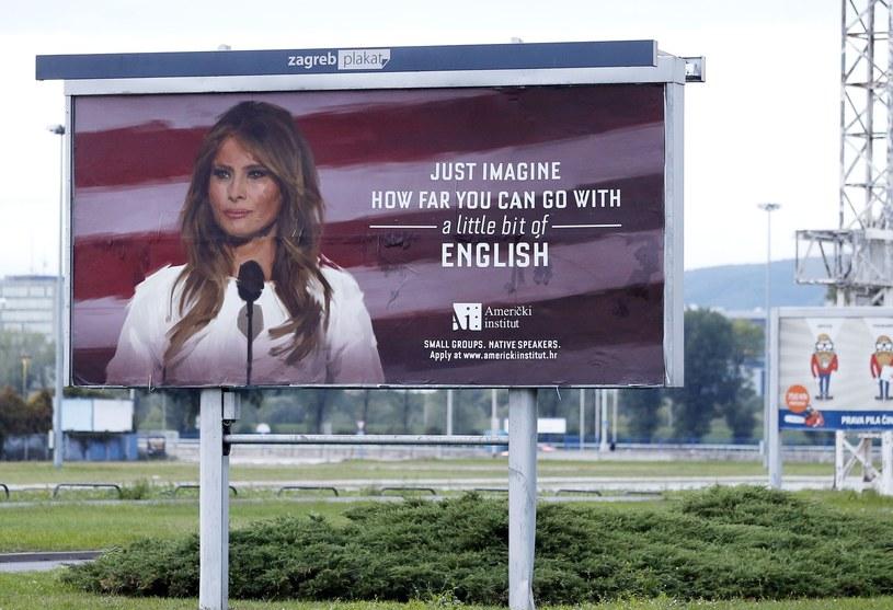 Reklama z Melanią Trump /STRINGER /East News