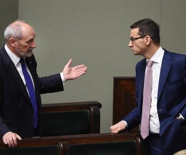 Rekonstrukcja rządu. Nieoficjalnie: Morawiecki chciałby wymienić Macierewicza