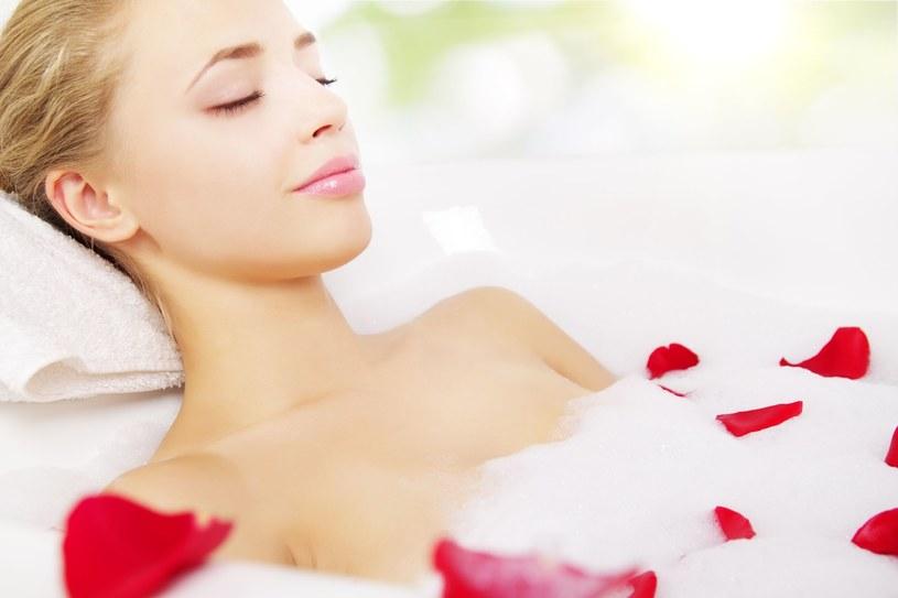 Relaksująca i odprężająca kąpiel pomoże ci zapomnieć o jesiennych smutkach! /123RF/PICSEL