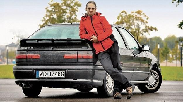 Renault 19 Baccara z 1994 roku: wystawione za 3 tys. zł, sprzedane tego samego dnia za tę samą kwotę. Właściciel uważa, że trafił na świetną okazję. /Motor