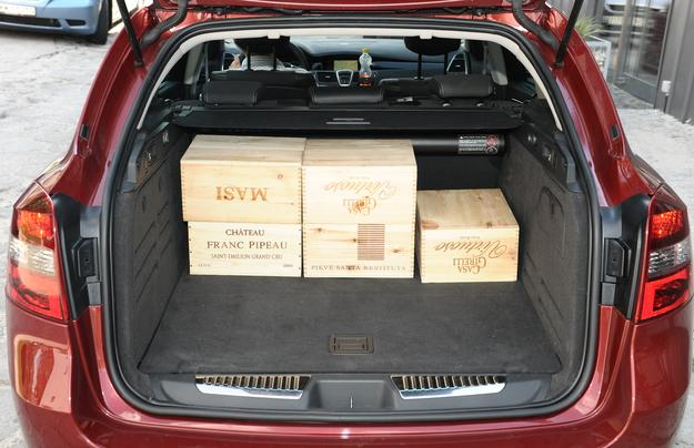 Renault obiecuje 508 l bagażnika, nasze pomiary dały jednak wynik ledwie 409 l. /Motor