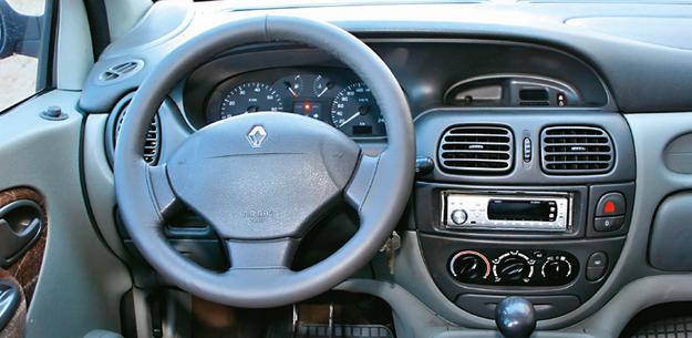 Renault Scenic deska /Motor