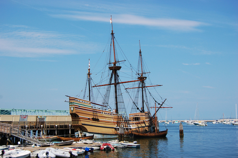 Replika statku Mayflower w porcie w Plymouth /©123RF/PICSEL