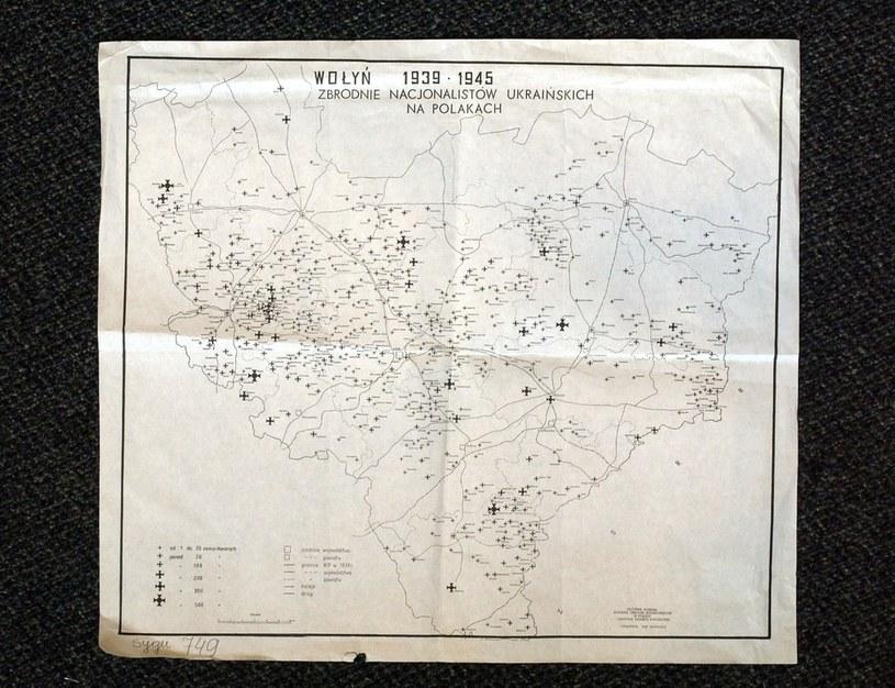 """Reprodukcja mapy Wołynia """"Zbrodnie nacjonalistów ukraińskich na Polakach w latach 1939-45"""" /Wojtek Laski /East News"""