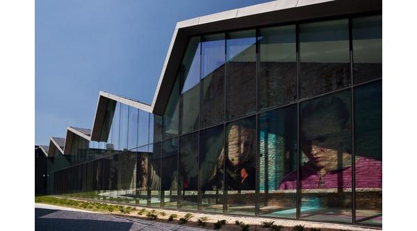 Muzeum Sztuki Współczesnej w Krakowie. Budowa MOCAK-u była kluczowym elementem planu rewitalizacji krakowskiej dzielnicy Zabłocie