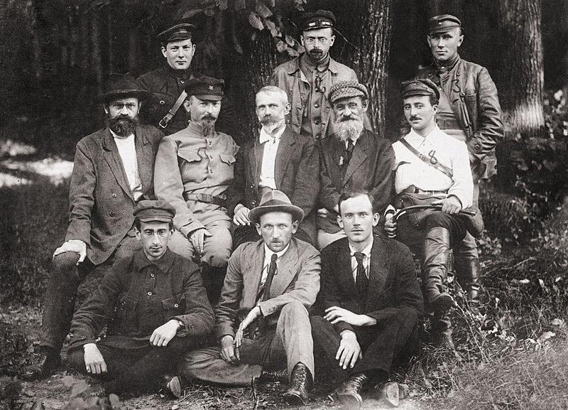 Rewolucjoniści z komunistycznego Polrewkomu próbowali w 1920 roku przejąć władzę w Polsce. Wywiad II RP podejrzewał, że w latach 30. na terenie kraju pozostawało jeszcze wiele osób wywodzących się z tej organizacji /Odkrywca