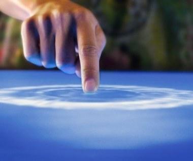 Rewolucyjny ekran dotykowy AUO