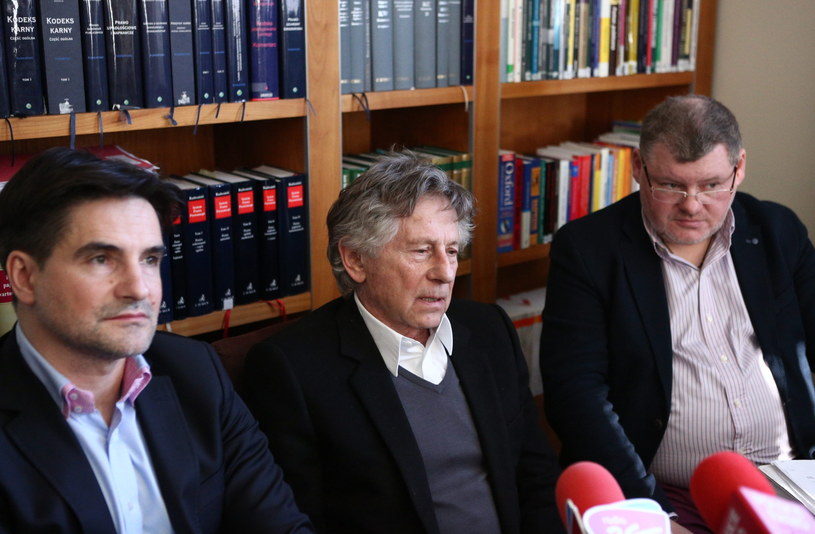 Reżyser Roman Polański ze swoimi obrońcami Jerzym Stachowiczem i Janem Olszewskim /Stanisław Rozpędzik /PAP