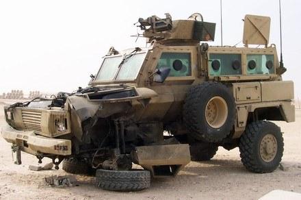 RG-31 po wybuchu miny / Kliknij /