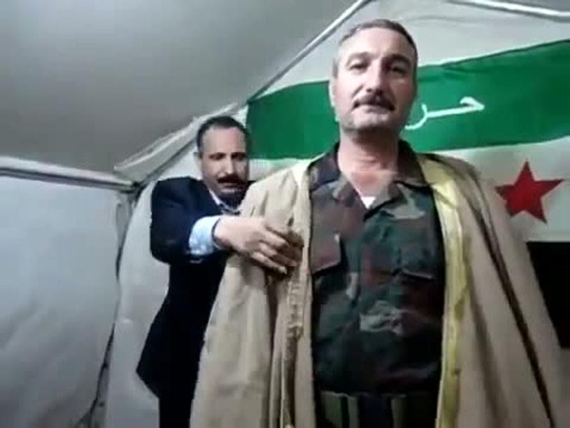 Riad al-Asaad na obrazie z filmu zamieszczonego w serwisie YouTube w 2012 roku /AFP/YOUTUBE /AFP
