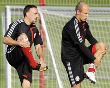Ribery i Robben - dzięki nim Bayern rabuje punkty innym drużynom Bundesligi /AFP
