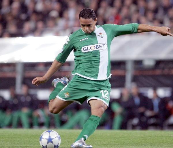 Ricardo Oliveira pokazał, że dla Betisu jest bezcenny /AFP