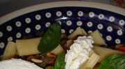 Rigatoni z baklazanem, papryka i ricotta