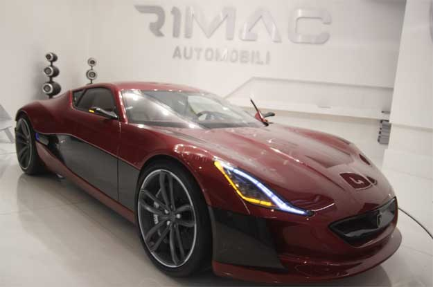 Rimac concept one na salonie samochodowym we Frankfurcie nad Menem /INTERIA.PL