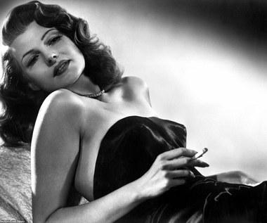 Rita Hayworth: Jej twarz zdobiła bombę atomową