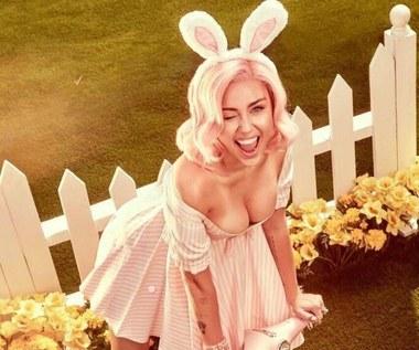 Rita Ora i Miley Cyrus: Wielkanocne sesje zdjęciowe
