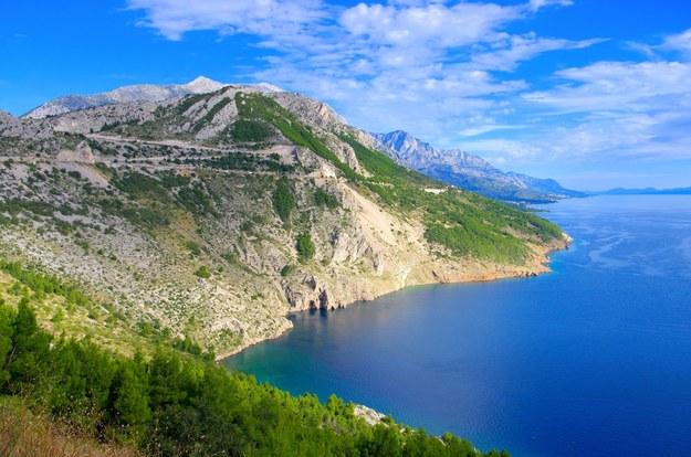 Riwiera Makarska co roku przyciąga tysiące turystów /123/RF PICSEL