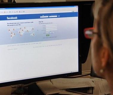 Robak internetowy atakuje przez czat na Facebooku