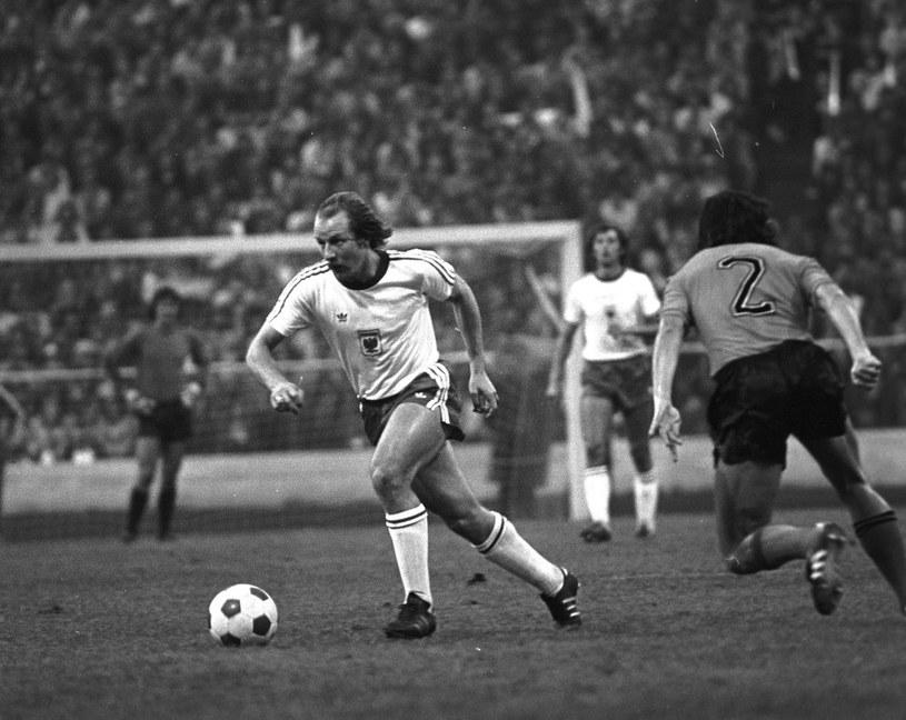 Robert Gadocha 62 razy zagrał w reprezentacji Polski /REPORTER /East News